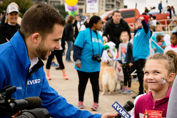 KVUE News interviews an Austin preschool child before the 2018 Turkey Trot